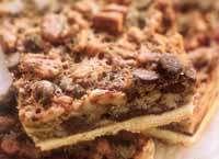 ריבועי אגוזים ושוקולד צ'יפס