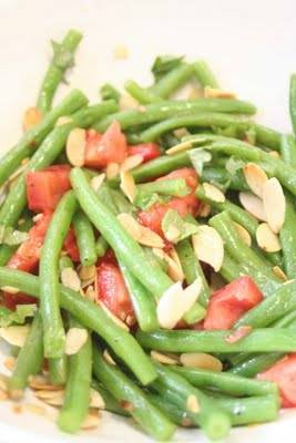 סלט שעועית ירוקה ועגבניות שרי