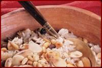 אורז חגיגי בשקדים, צימוקים וצנוברים