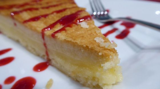 עוגת גבינה קרה עם תפוחי עץ