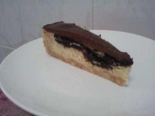 עוגת גבינה ועוגיות אוראו בציפוי שוקולד