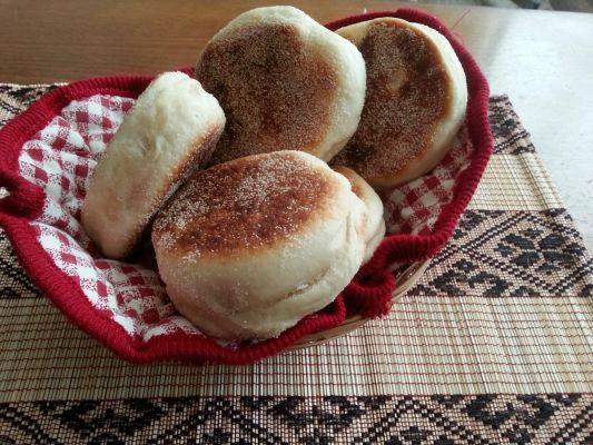 אינגליש מאפינס-English Muffins