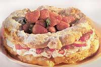 עוגת זר קרם ופירות