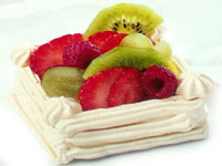 מרובעי מרנג ופירות