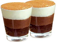 קינוח מוס שלושה שוקולדים