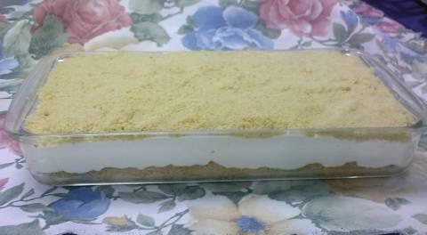 עוגת שמנת עם פירורים