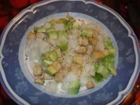 אורז או קינואה עם טופו ואבוקדו