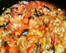 חצילים ועגבניות