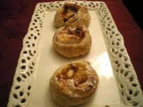שבלולים עם קרם פטיסיייר ותפוחי עץ