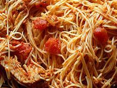 ספגטי ברוטב עגבניות וחצילים