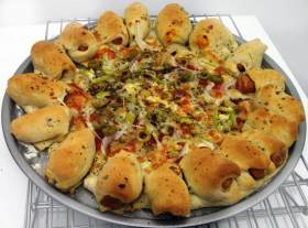 Starzbites  או Cheesy Bites- פיצה נגסים ממולאים