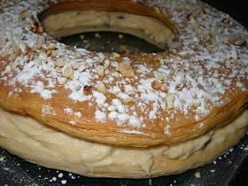 עוגת בצק עלים עם קרם פטיסייר