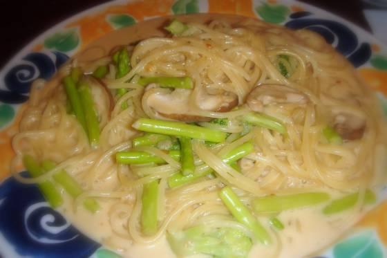 ספגטי ברוטב אספרגוס ופטריות