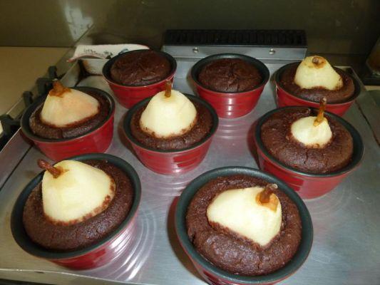 אגס בפודינג שוקולד