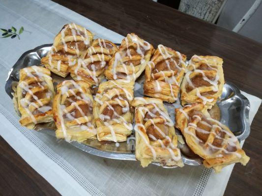 פאי תפוחי עץ עם בצק עלים