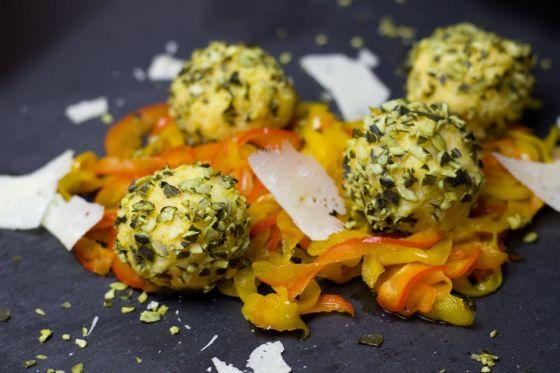 כדורי גבינה בטעמים