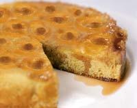 עוגת משמשים ודובדבנים הפוכה