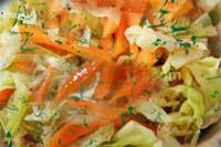 סלט כרוב וגזר ברוטב תפוזים