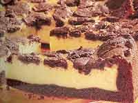 עוגת גבינה עם בצק קקאו